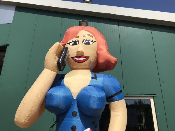 Sarah pop zakenvrouw met telefoon