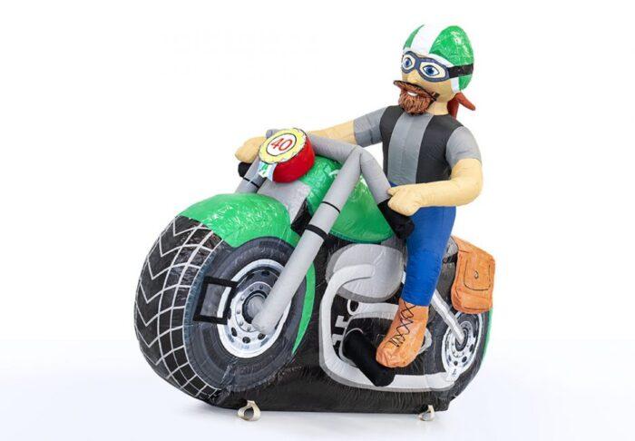 Abraham pop op motor huren