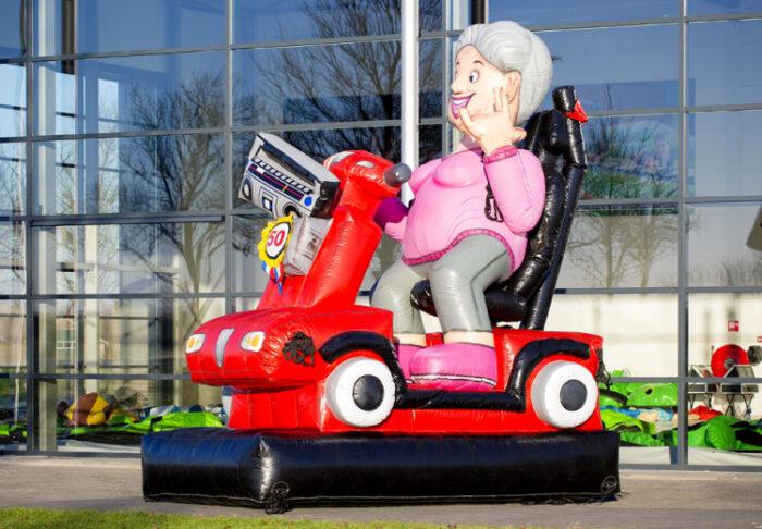 sarah-pop-op-scooter-huren