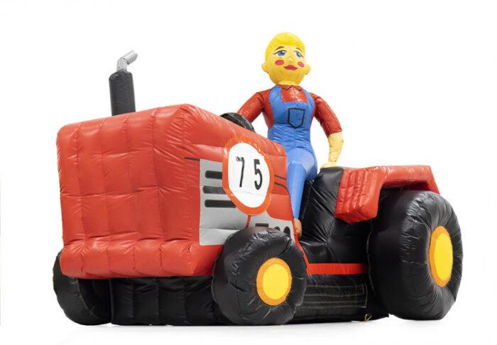 opblaasbare sarah pop op tractor